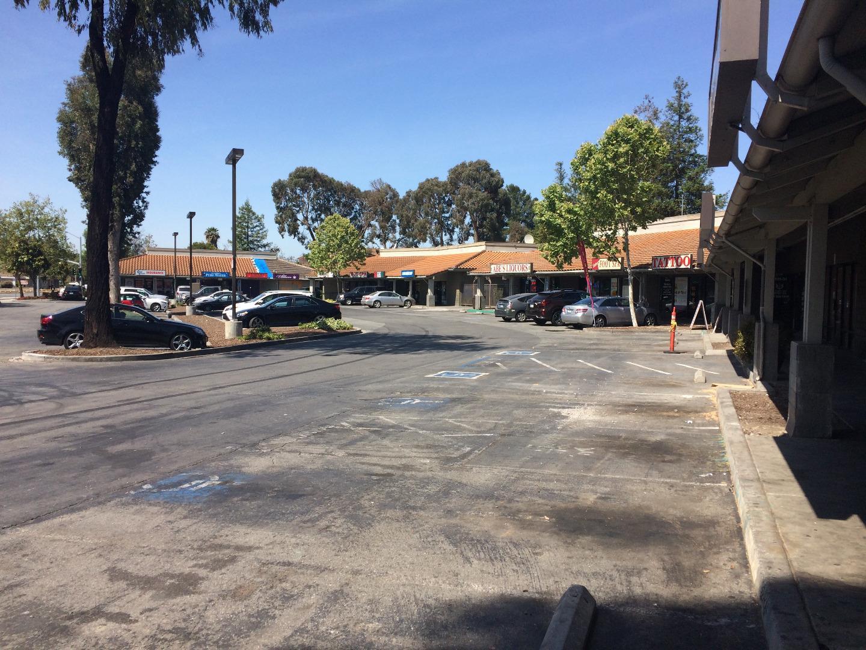 Коммерческий для того Продажа на SE Alum rock San Jose, Калифорния 95116 Соединенные Штаты