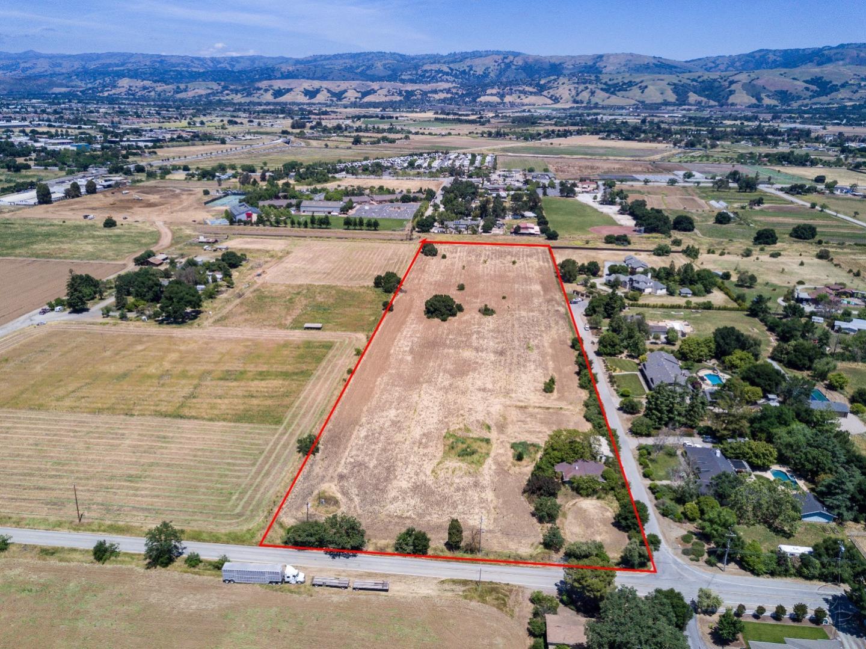 Земля для того Продажа на 14940 Olive Avenue 14940 Olive Avenue Morgan Hill, Калифорния 95037 Соединенные Штаты