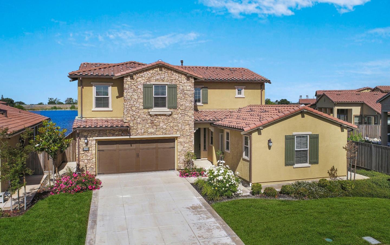 Maison unifamiliale pour l Vente à 4238 Volpaia Place Manteca, Californie 95337 États-Unis