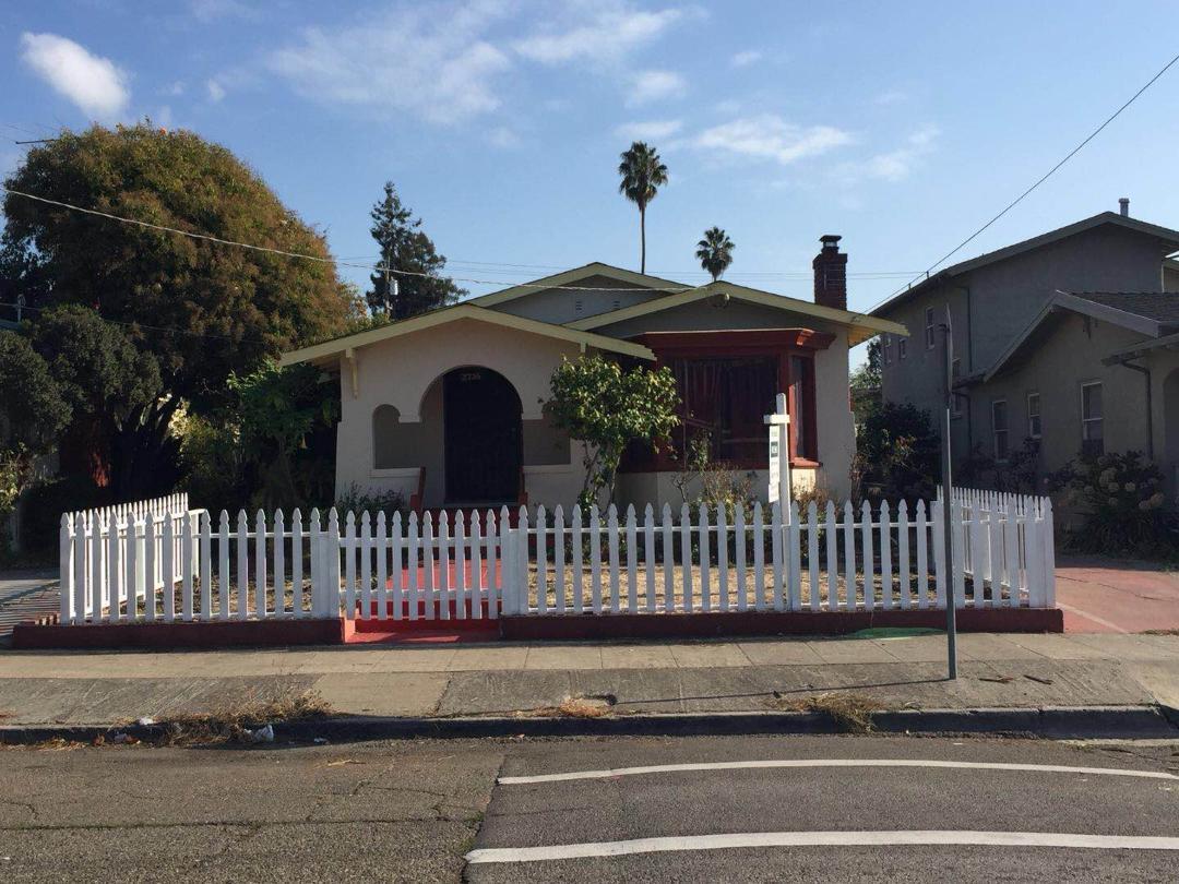 Single Family Home for Sale at 2736 Bartlett Street 2736 Bartlett Street Oakland, California 94602 United States