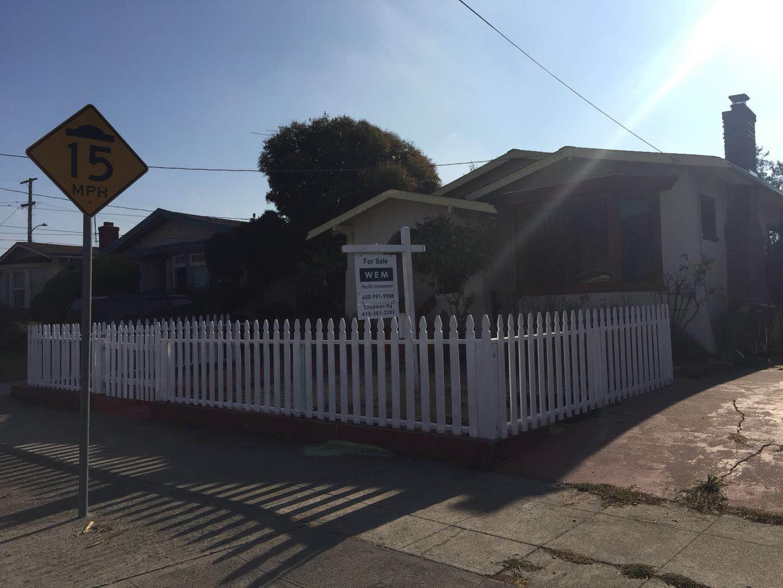 Additional photo for property listing at 2736 Bartlett Street 2736 Bartlett Street Oakland, California 94602 Estados Unidos