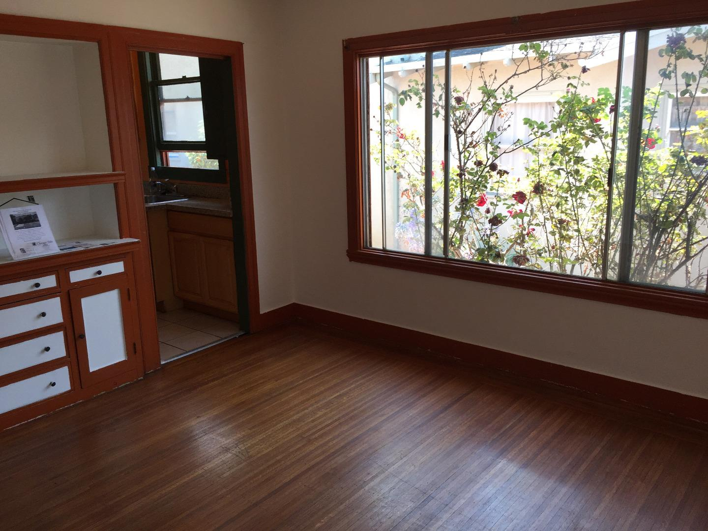 Additional photo for property listing at 2736 Bartlett Street  Oakland, 加利福尼亞州 94602 美國
