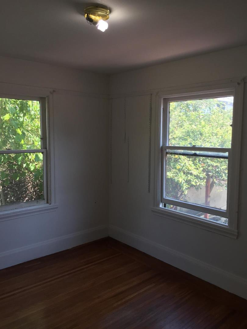 Additional photo for property listing at 2736 Bartlett Street  Oakland, California 94602 United States