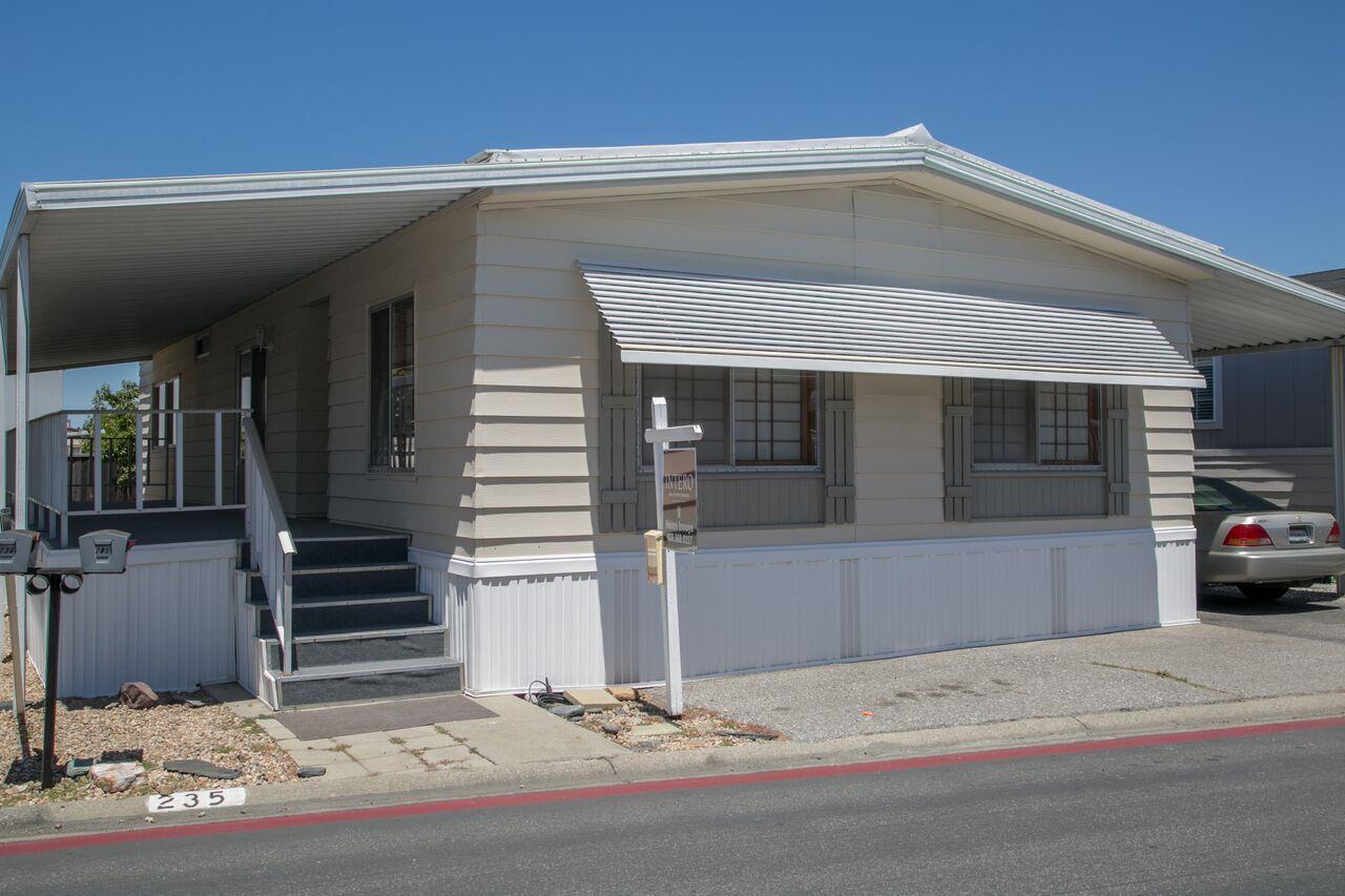 Maison unifamiliale pour l Vente à 1085 Tasman Drive Sunnyvale, Californie 94089 États-Unis