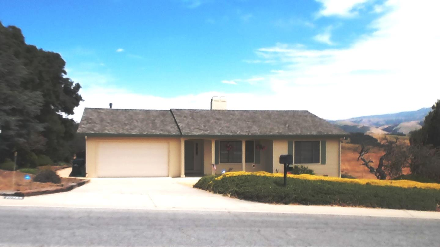 Single Family Home for Sale at 10755 Country Meadows Road Salinas, California 93907 United States