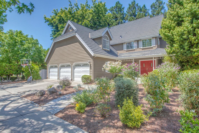 Частный односемейный дом для того Продажа на 538 Sullivan Drive Mountain View, Калифорния 94041 Соединенные Штаты