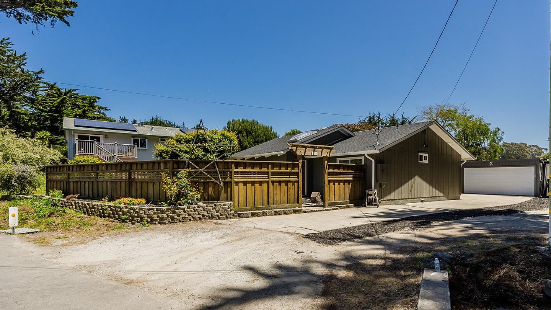 510 Cypress Avenue, MOSS BEACH, CA 94038