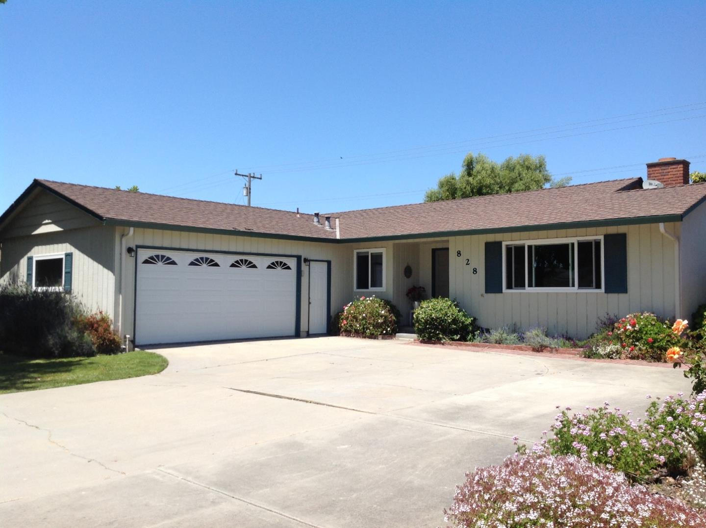Additional photo for property listing at 828 Fairfax Drive  Salinas, カリフォルニア 93901 アメリカ合衆国