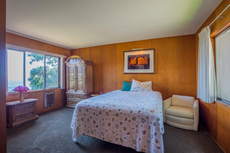 Additional photo for property listing at 220 Bella Vista Lane  Watsonville, Калифорния 95076 Соединенные Штаты