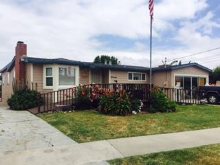 واحد منزل الأسرة للـ Sale في 1236 Hilltop Drive Salinas, California 93905 United States