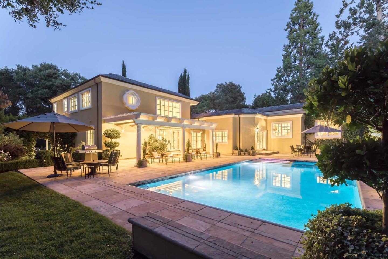 Maison unifamiliale pour l Vente à 290 Winding Way Woodside, Californie 94062 États-Unis