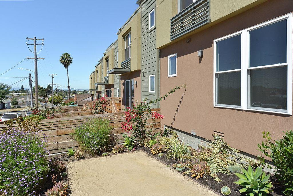 Additional photo for property listing at 9849 Macarthur Boulevard  Oakland, カリフォルニア 94605 アメリカ合衆国