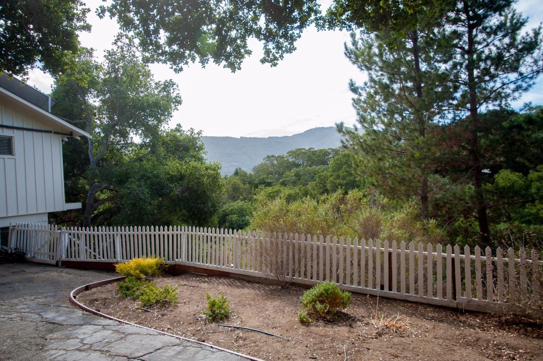 Additional photo for property listing at 90 Valle Vista  Carmel Valley, 加利福尼亞州 93924 美國