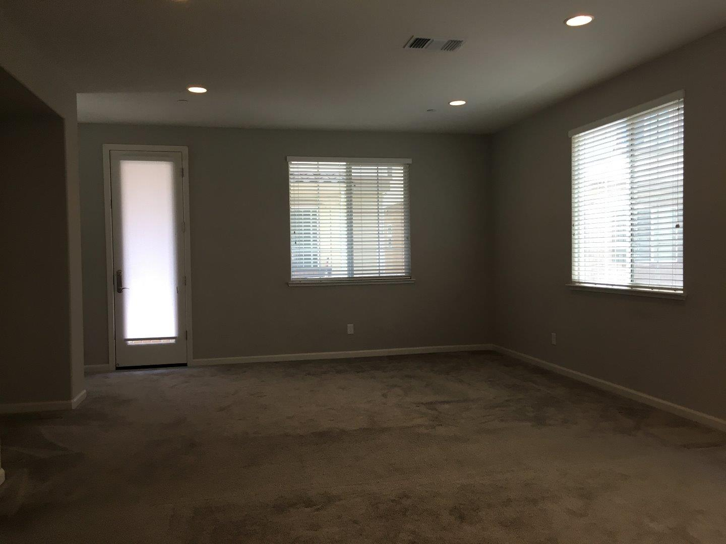 Additional photo for property listing at 317 Victoria Place 317 Victoria Place Hayward, California 94544 Estados Unidos