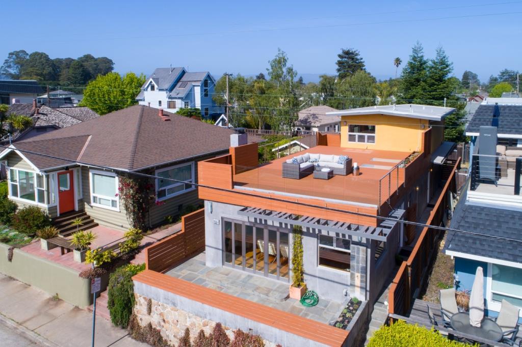 Einfamilienhaus für Verkauf beim 114 Buena Vista Avenue Santa Cruz, Kalifornien 95062 Vereinigte Staaten