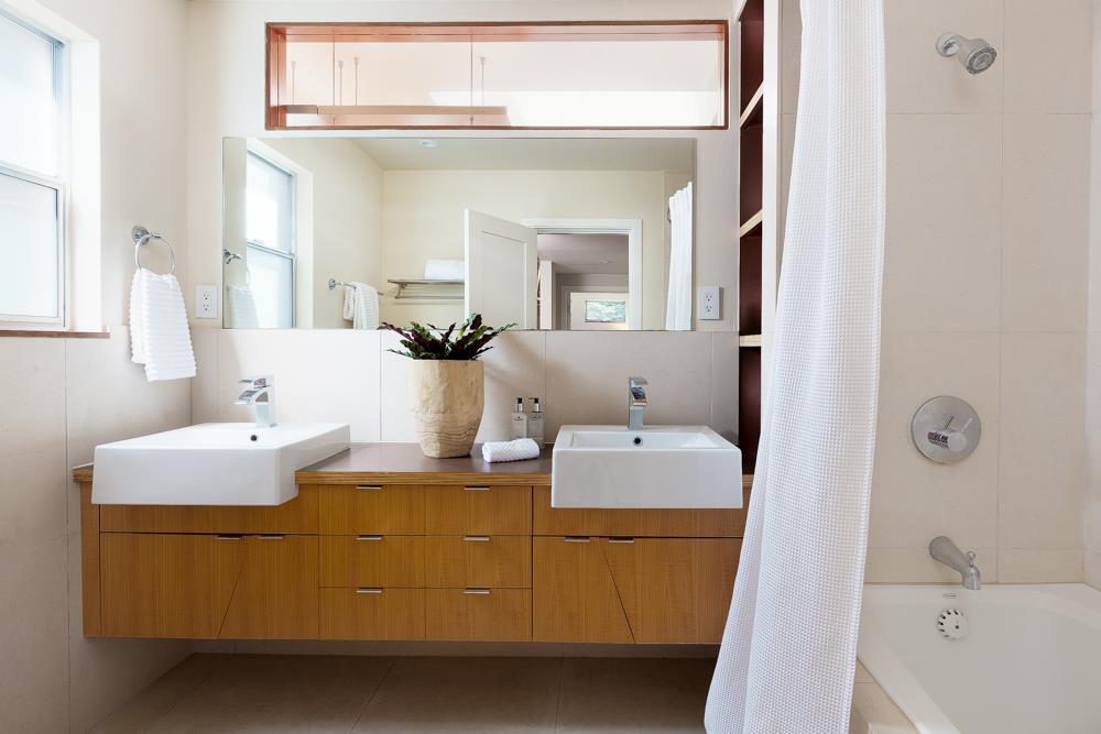 Additional photo for property listing at 114 Buena Vista Avenue  Santa Cruz, Kalifornien 95062 Vereinigte Staaten