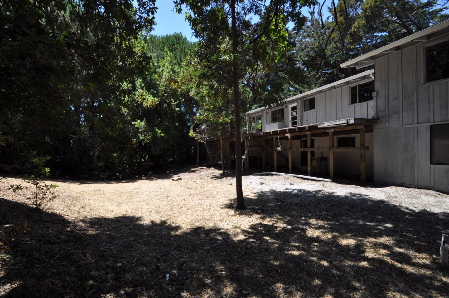 Additional photo for property listing at 124 Alta Mesa Road  Woodside, California 94062 Estados Unidos