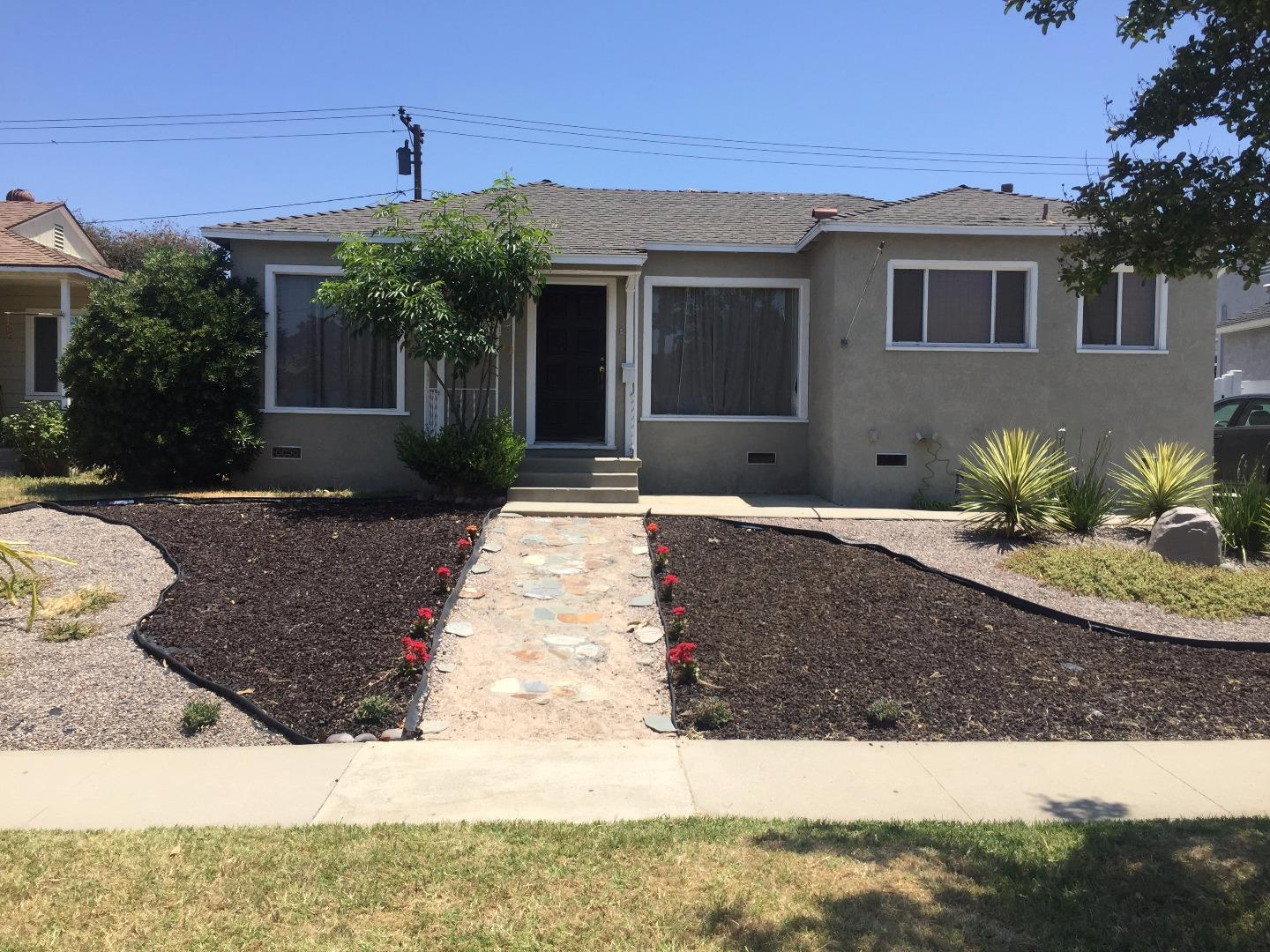 Single Family Home for Sale at 4450 Levelside Avenue Lakewood, California 90712 United States