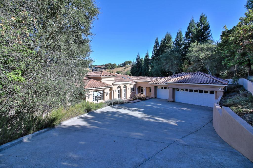 Single Family Home for Sale at 99 Tiger Tail Court 99 Tiger Tail Court Orinda, California 94563 United States