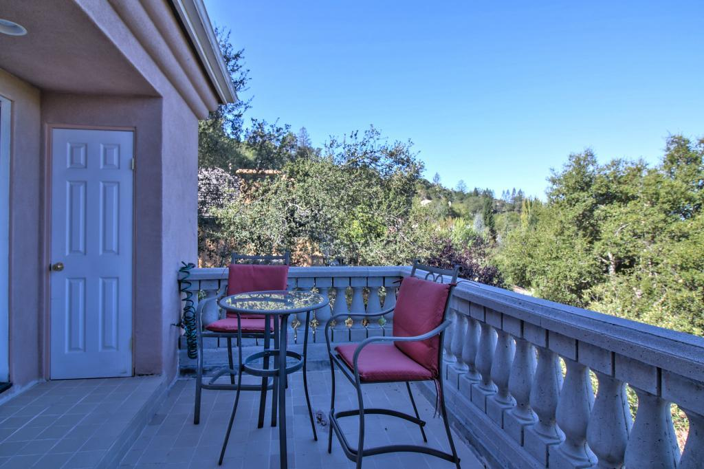 Additional photo for property listing at 99 Tiger Tail Court 99 Tiger Tail Court Orinda, California 94563 United States