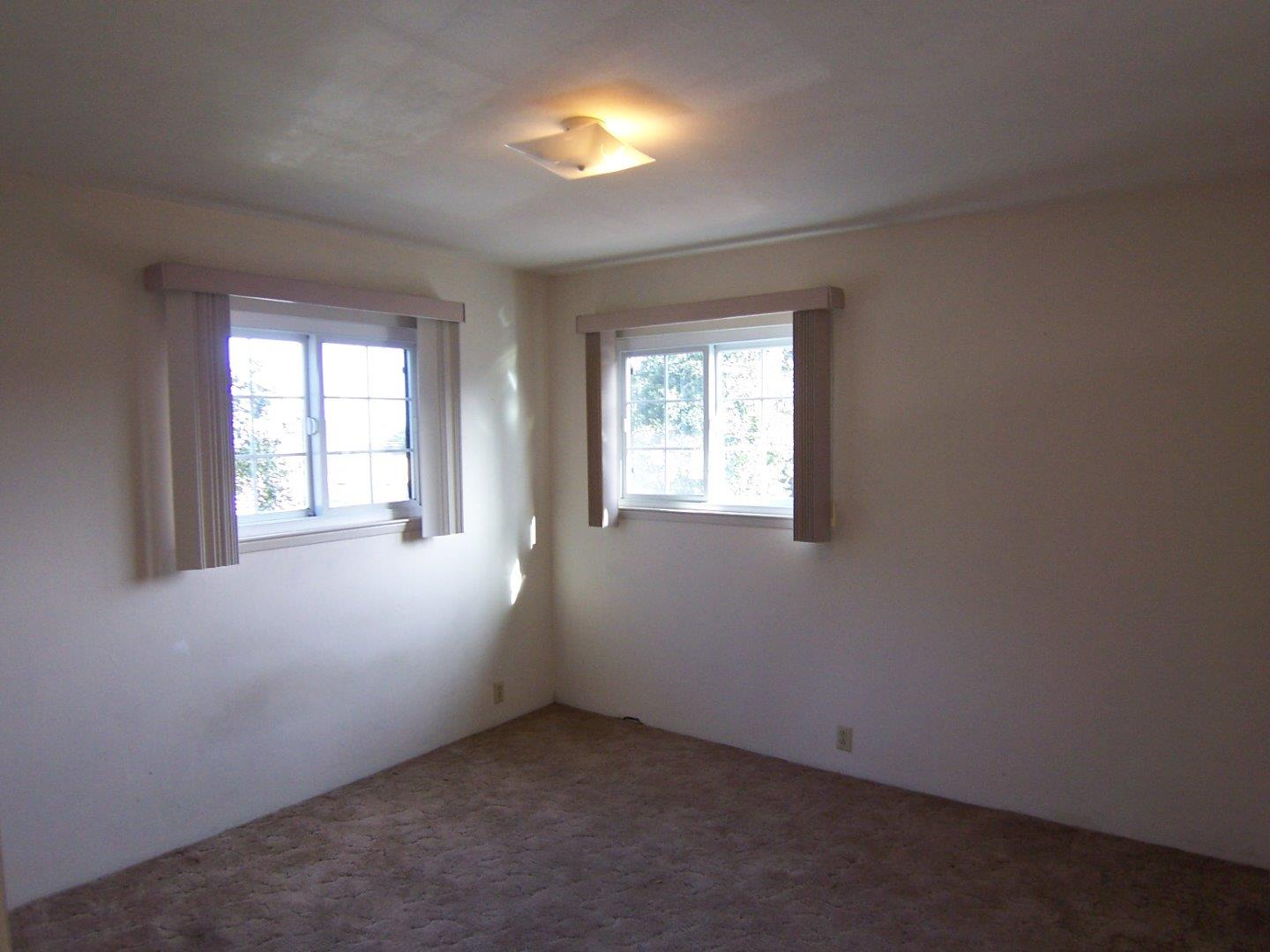 Additional photo for property listing at 1099 Irving Avenue  Monterey, California 93940 United States