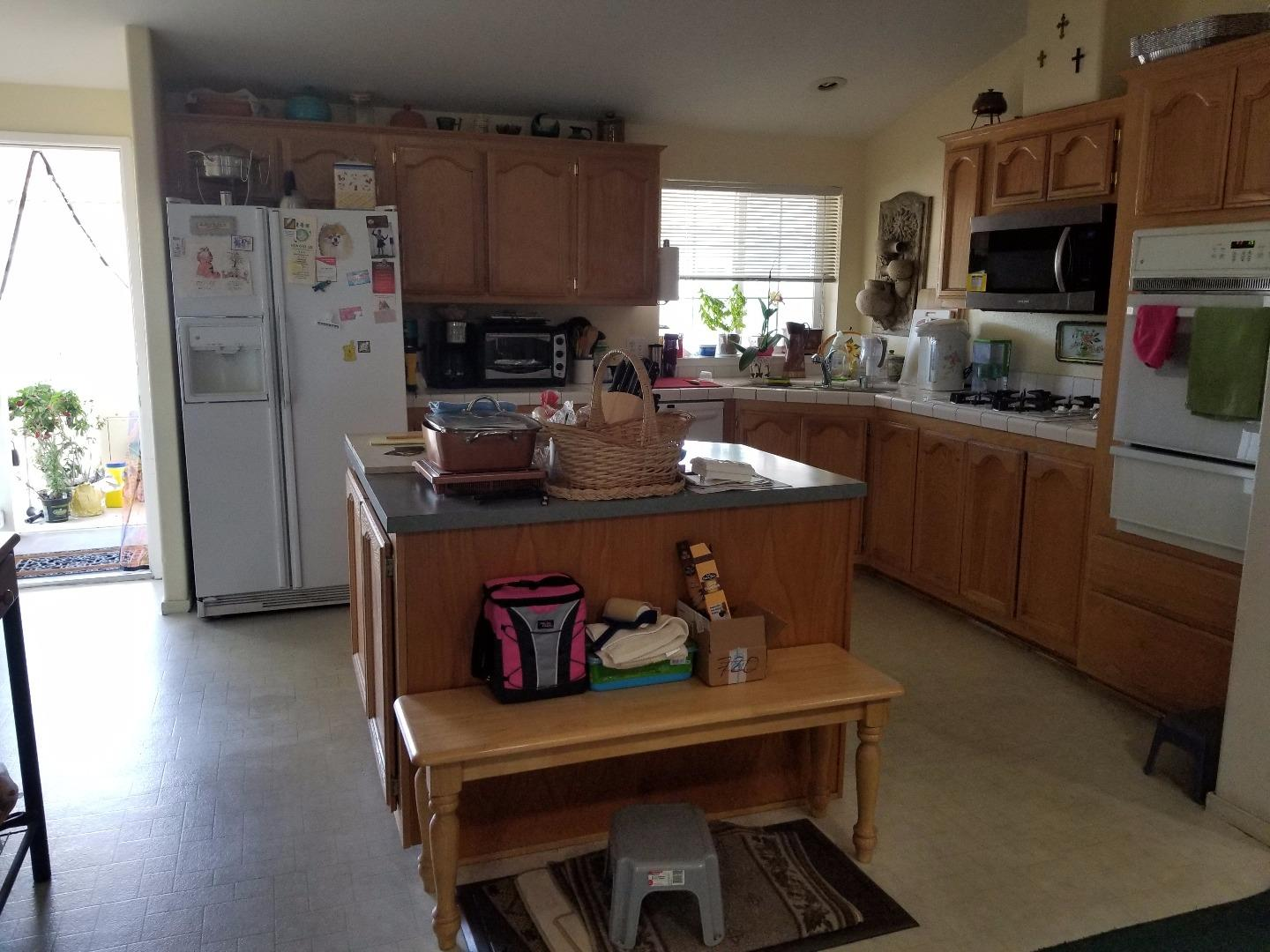 Additional photo for property listing at 1085 Tasman Drive  Sunnyvale, Kalifornien 94089 Vereinigte Staaten