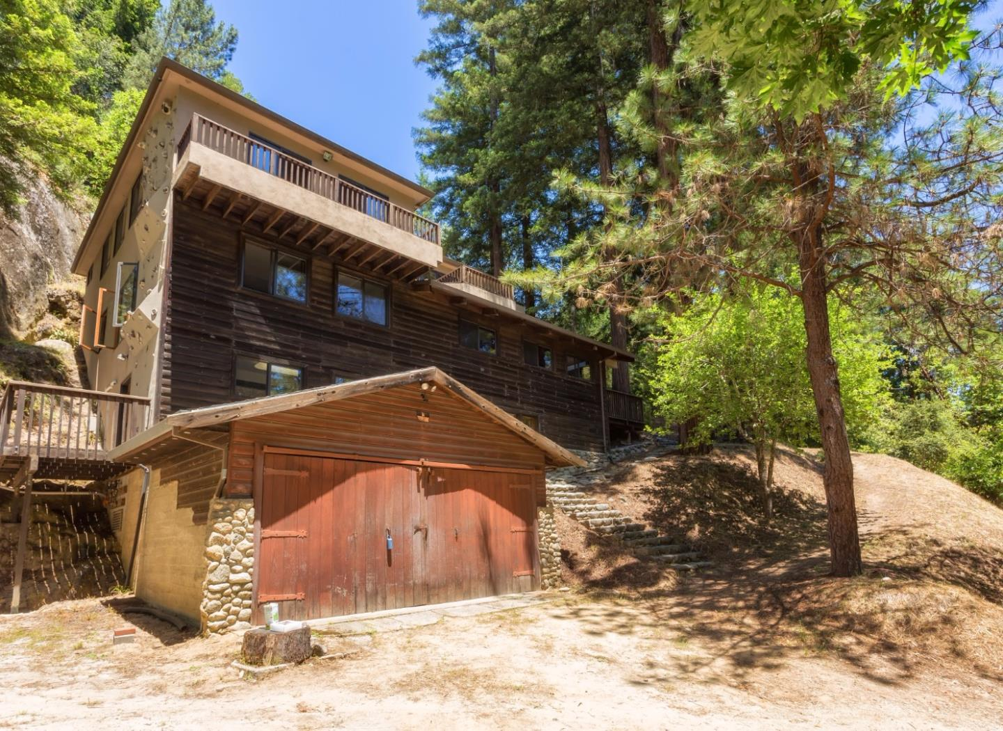 Casa Unifamiliar por un Venta en 333 Wooded Way Boulder Creek, California 95006 Estados Unidos