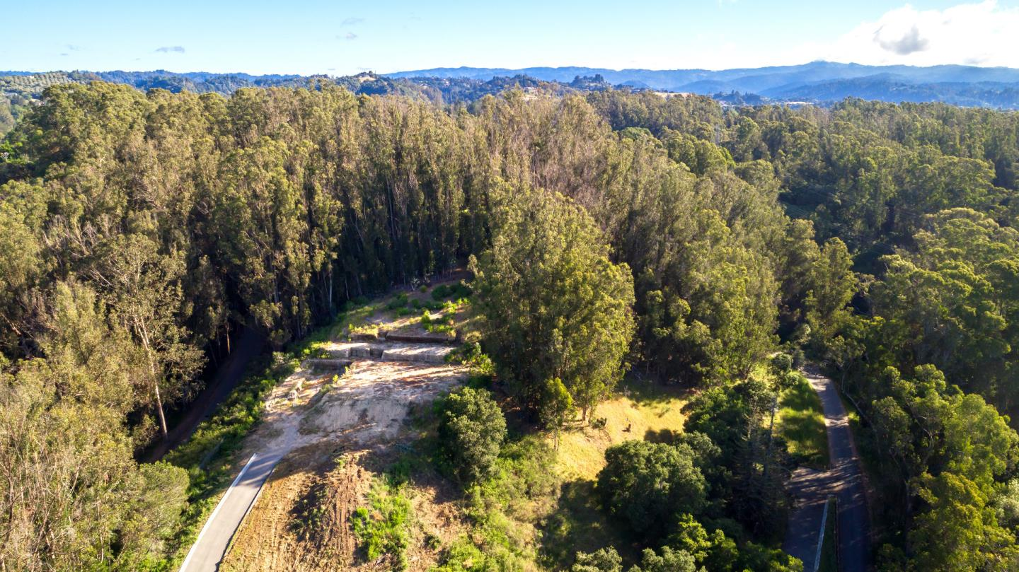 Additional photo for property listing at Lupine Lane LOT 2  Santa Cruz, カリフォルニア 95060 アメリカ合衆国