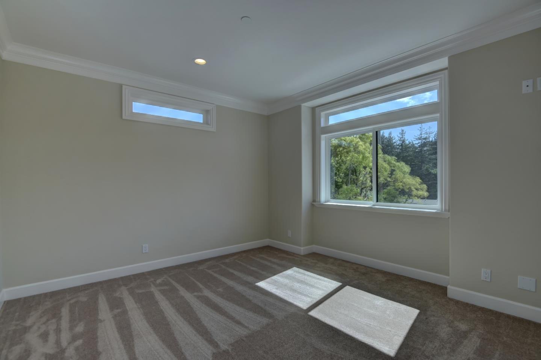 Additional photo for property listing at 10 Amanda Lane  Santa Cruz, California 95060 United States