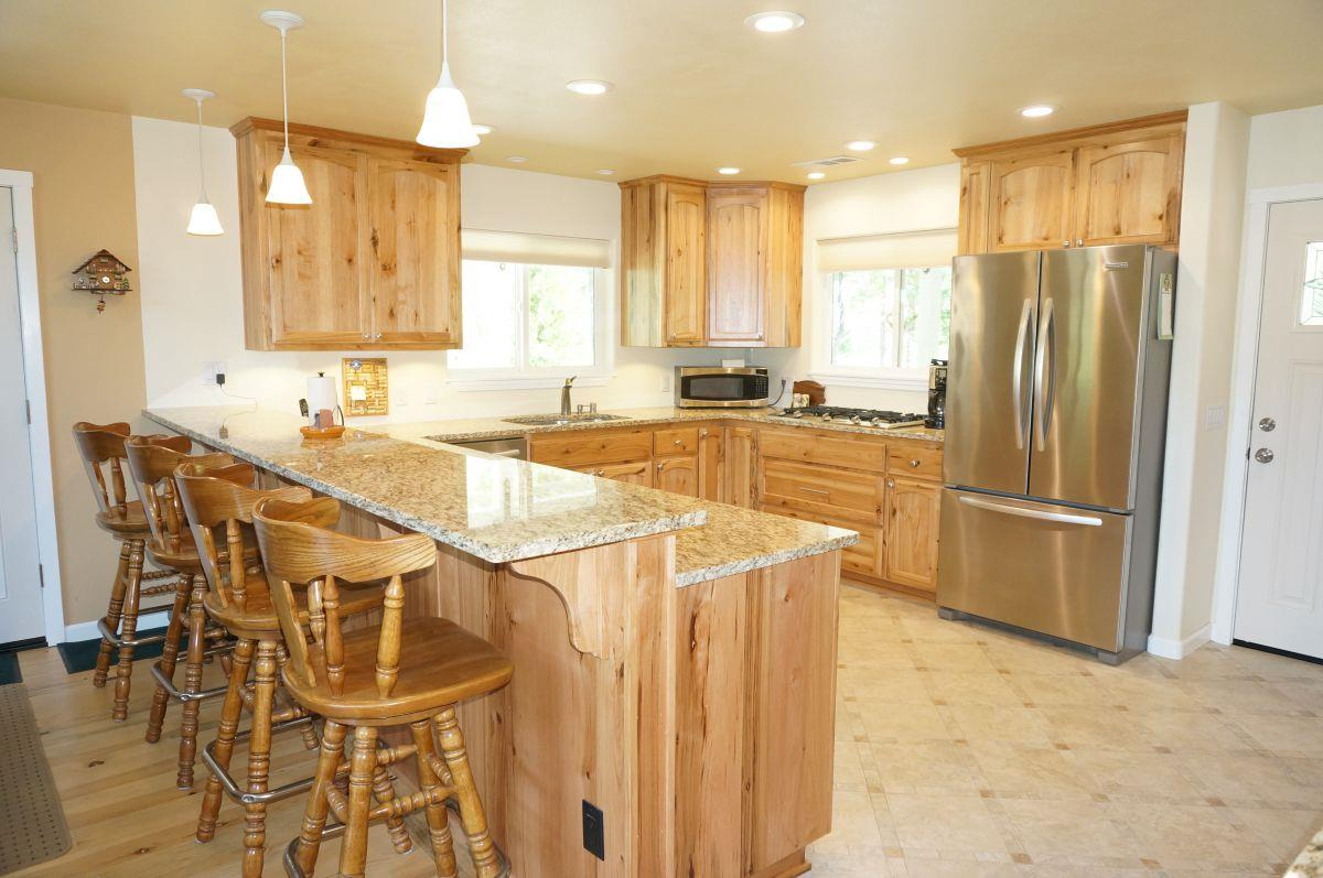 Additional photo for property listing at 1101 Mann Road  Trinity Center, Californie 96091 États-Unis