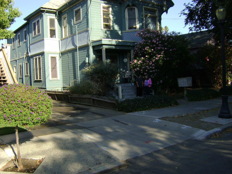 متعددة للعائلات الرئيسية للـ Sale في 402 N 3rd Street San Jose, California 95112 United States
