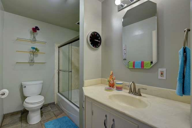 Additional photo for property listing at 990 Rose Avenue  Mountain View, 加利福尼亞州 94040 美國