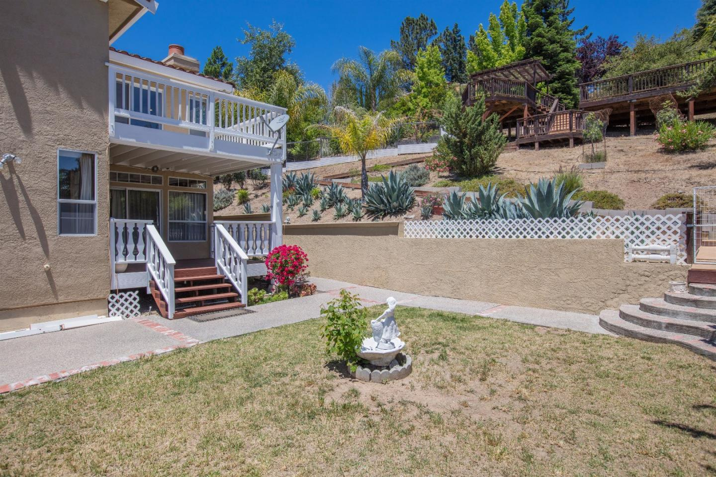 Additional photo for property listing at 1465 Welburn Avenue  Gilroy, Californie 95020 États-Unis