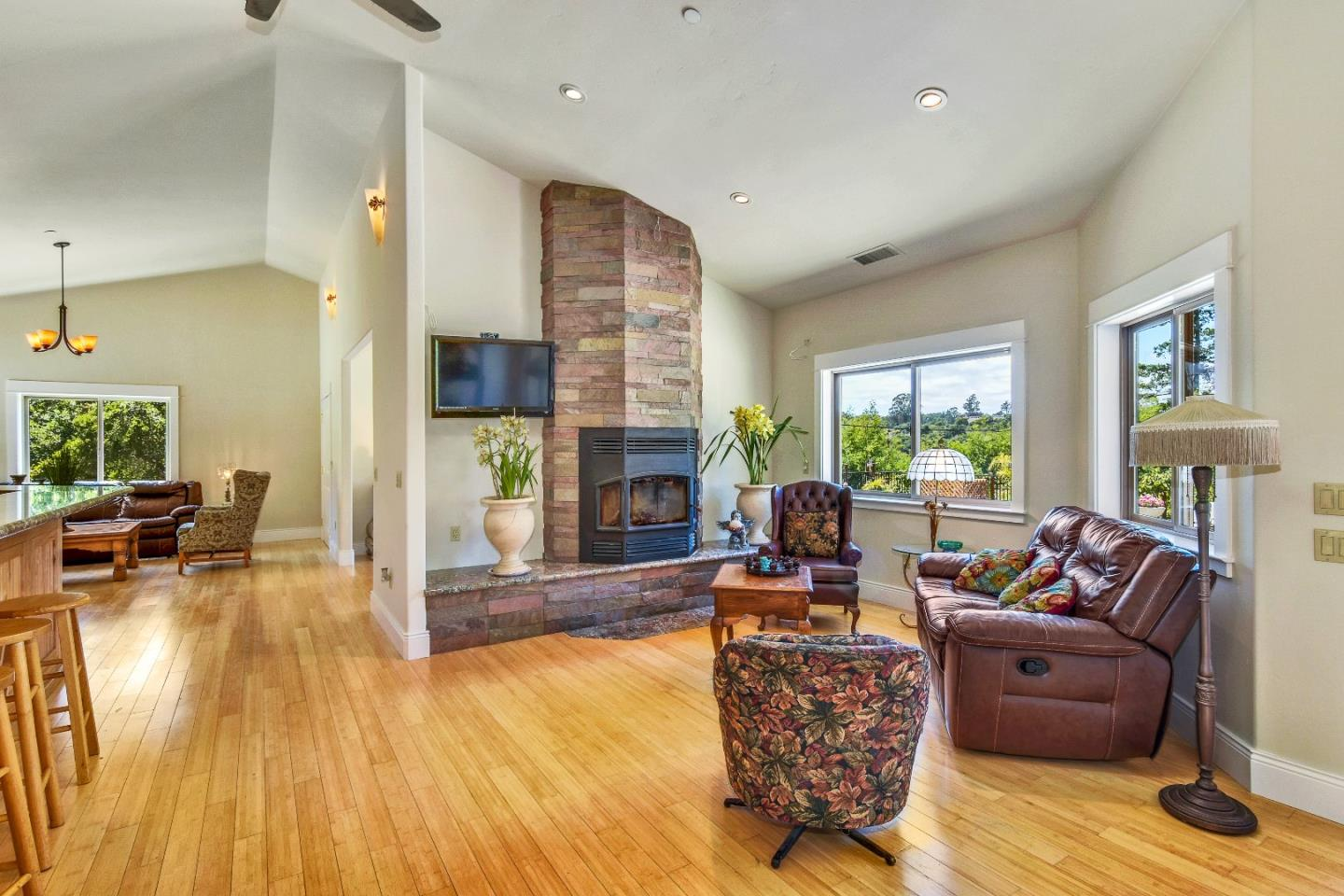 Additional photo for property listing at 1120 Trabing Road  Watsonville, California 95076 Estados Unidos