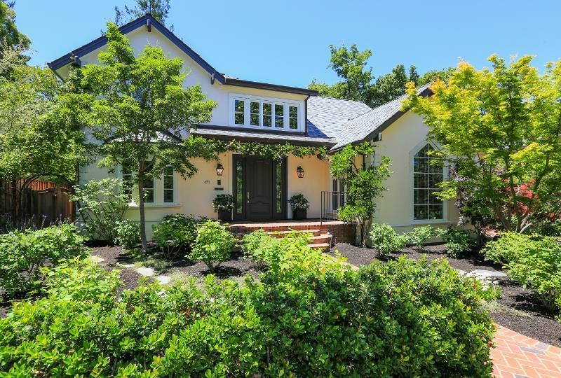 Casa Unifamiliar por un Venta en 471 Nevada Avenue Palo Alto, California 94301 Estados Unidos