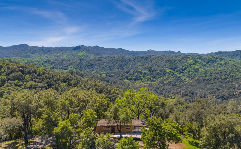 獨棟家庭住宅 為 出售 在 8610 Fawn Lane Paso Robles, 加利福尼亞州 93446 美國