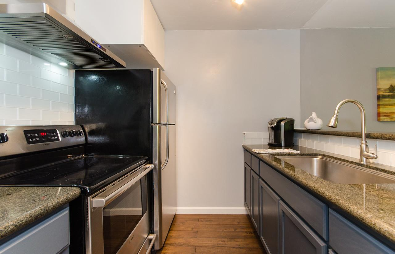 Additional photo for property listing at 1551 Southgate Avenue  Daly City, Калифорния 94015 Соединенные Штаты