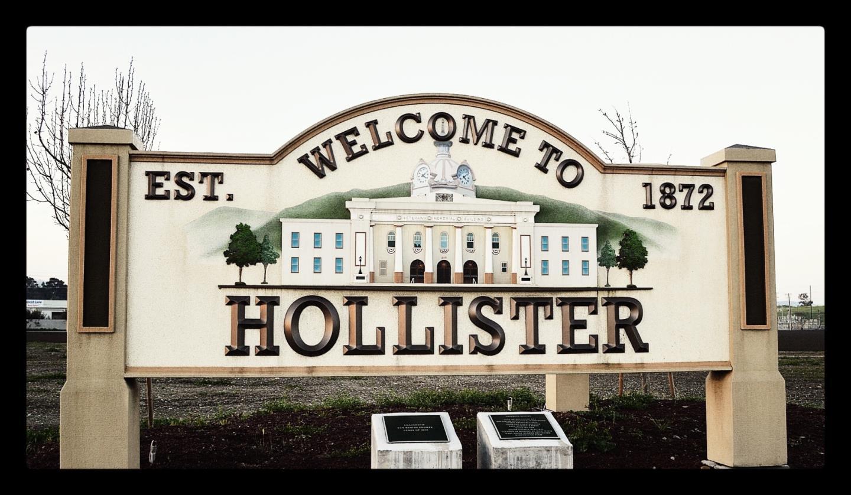 Многосемейный дом для того Продажа на 920 Memorial Drive 920 Memorial Drive Hollister, Калифорния 95023 Соединенные Штаты