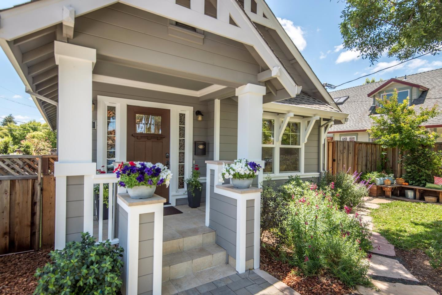 Single Family Home for Sale at 201 Chestnut Avenue Palo Alto, California 94306 United States