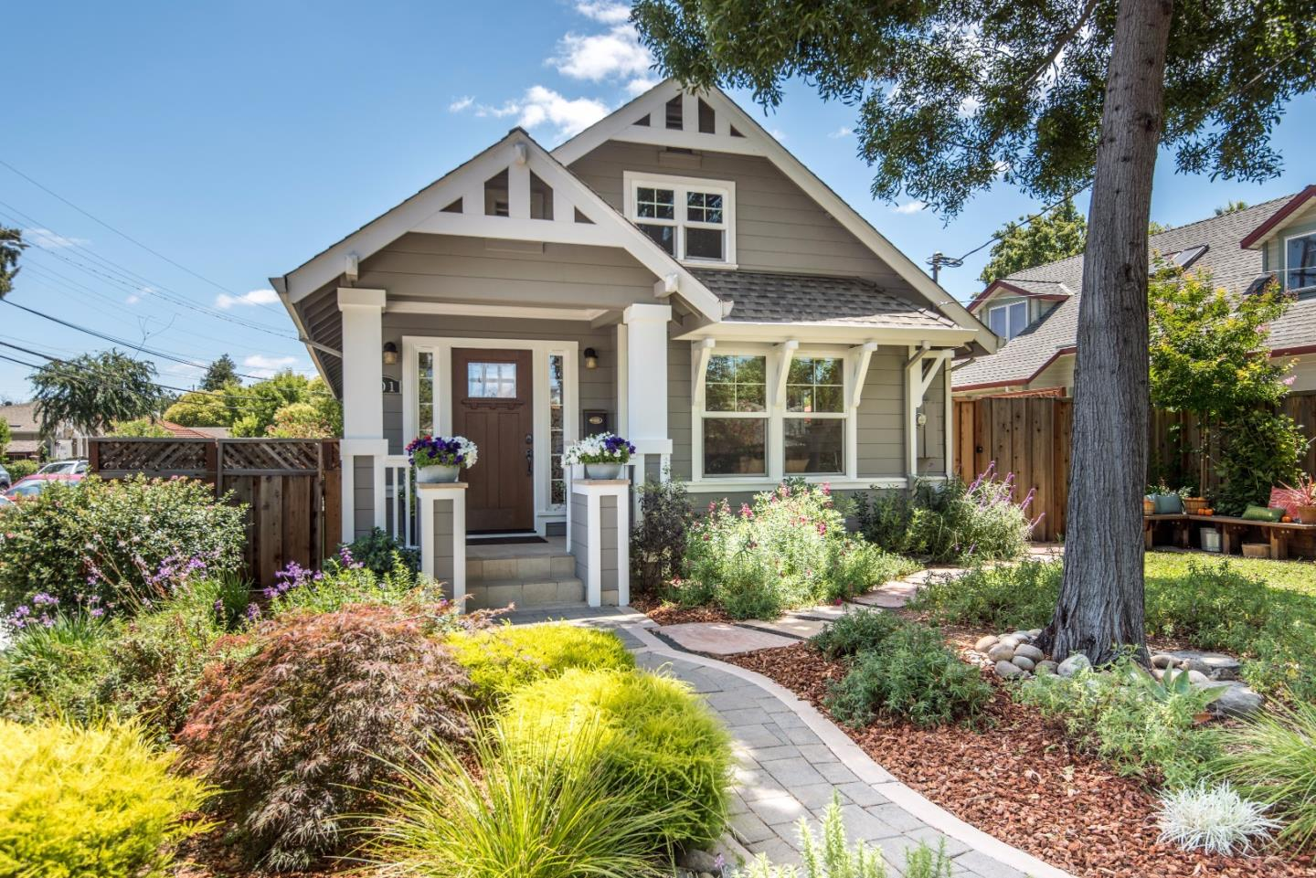 Additional photo for property listing at 201 Chestnut Avenue  Palo Alto, California 94306 United States