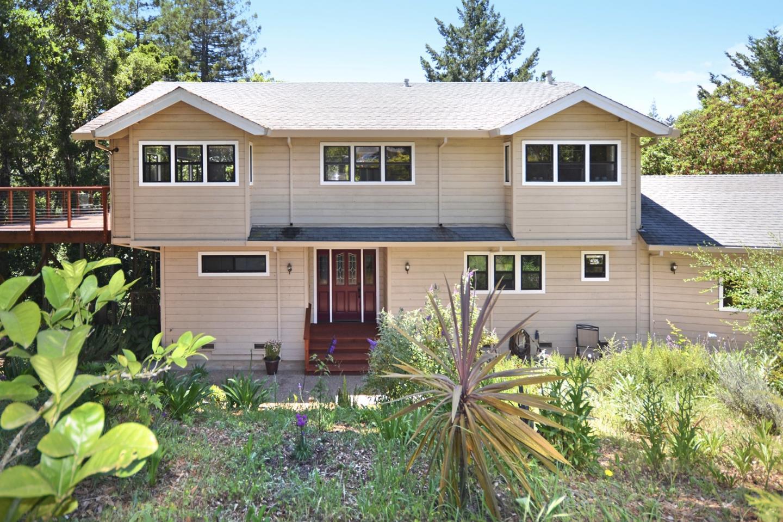 Частный односемейный дом для того Продажа на 149 Las Colinas Drive Corralitos, Калифорния 95076 Соединенные Штаты