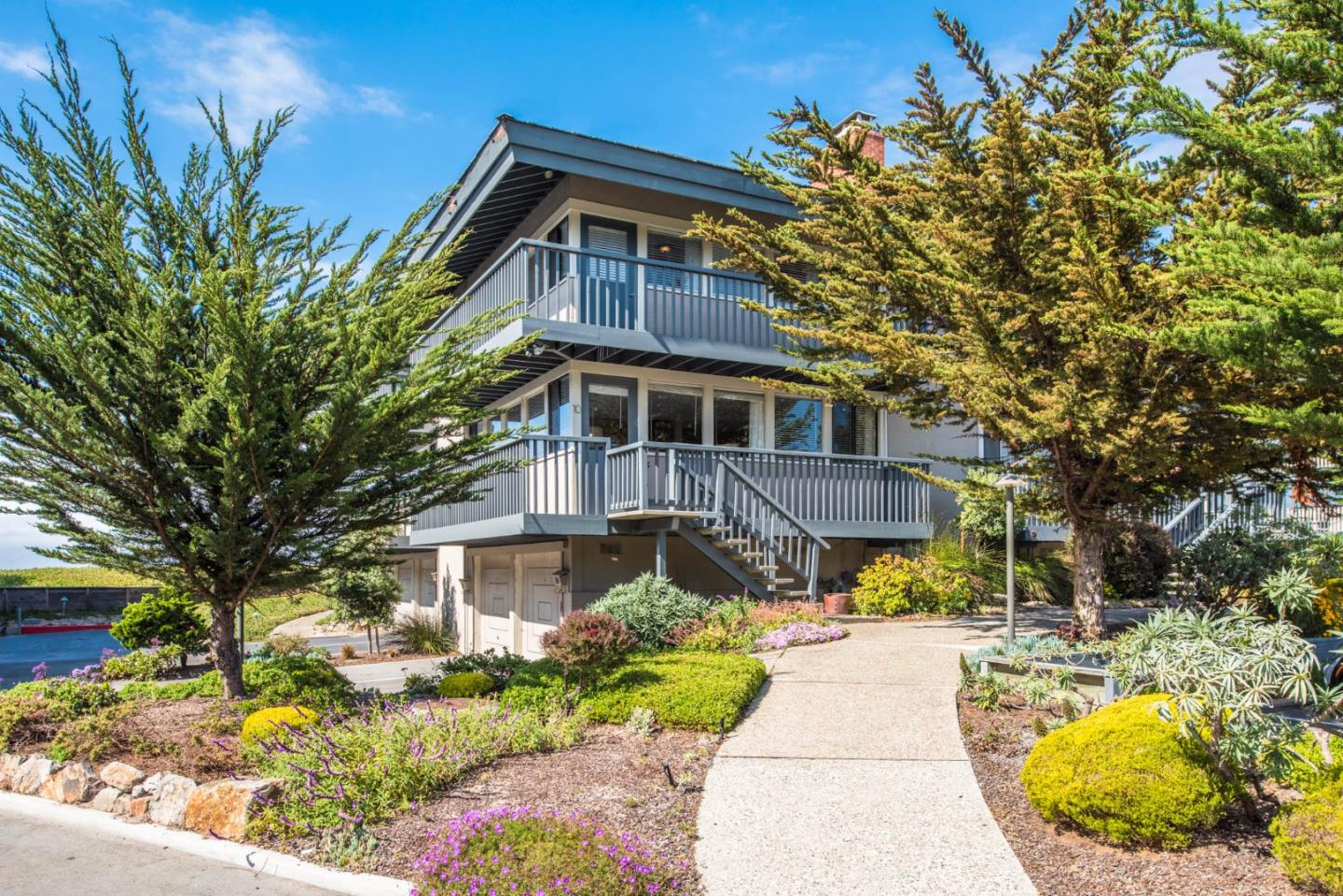 Additional photo for property listing at 10 La Playa Street  Monterey, California 93940 Estados Unidos