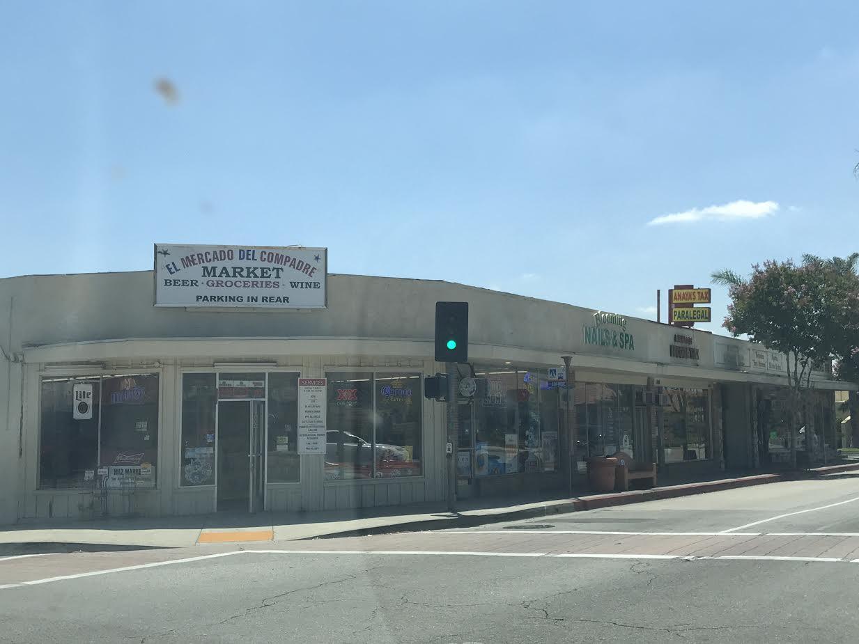 Коммерческий для того Продажа на 380 E La Habra Boulevard 380 E La Habra Boulevard La Habra, Калифорния 90631 Соединенные Штаты