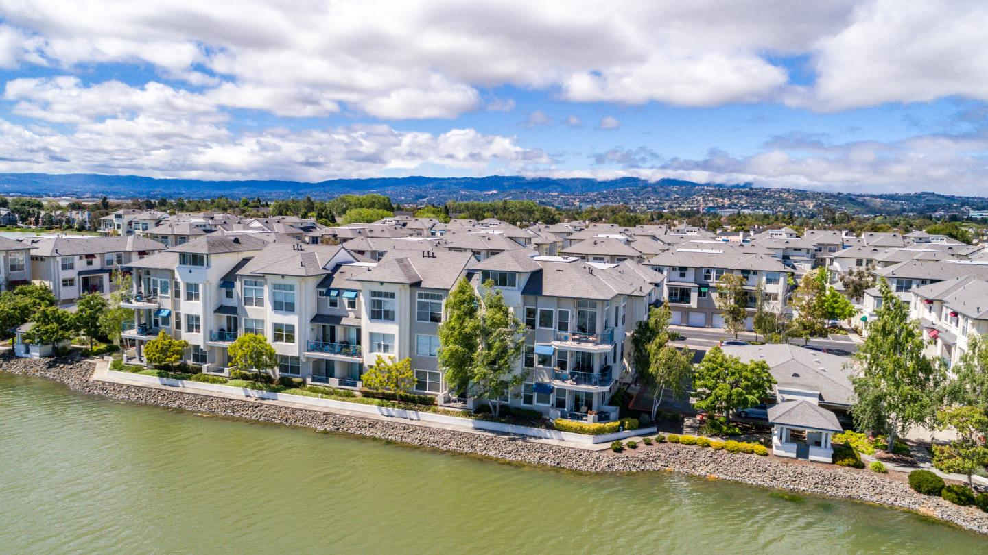 200 Baltic Circle, REDWOOD SHORES, CA 94065