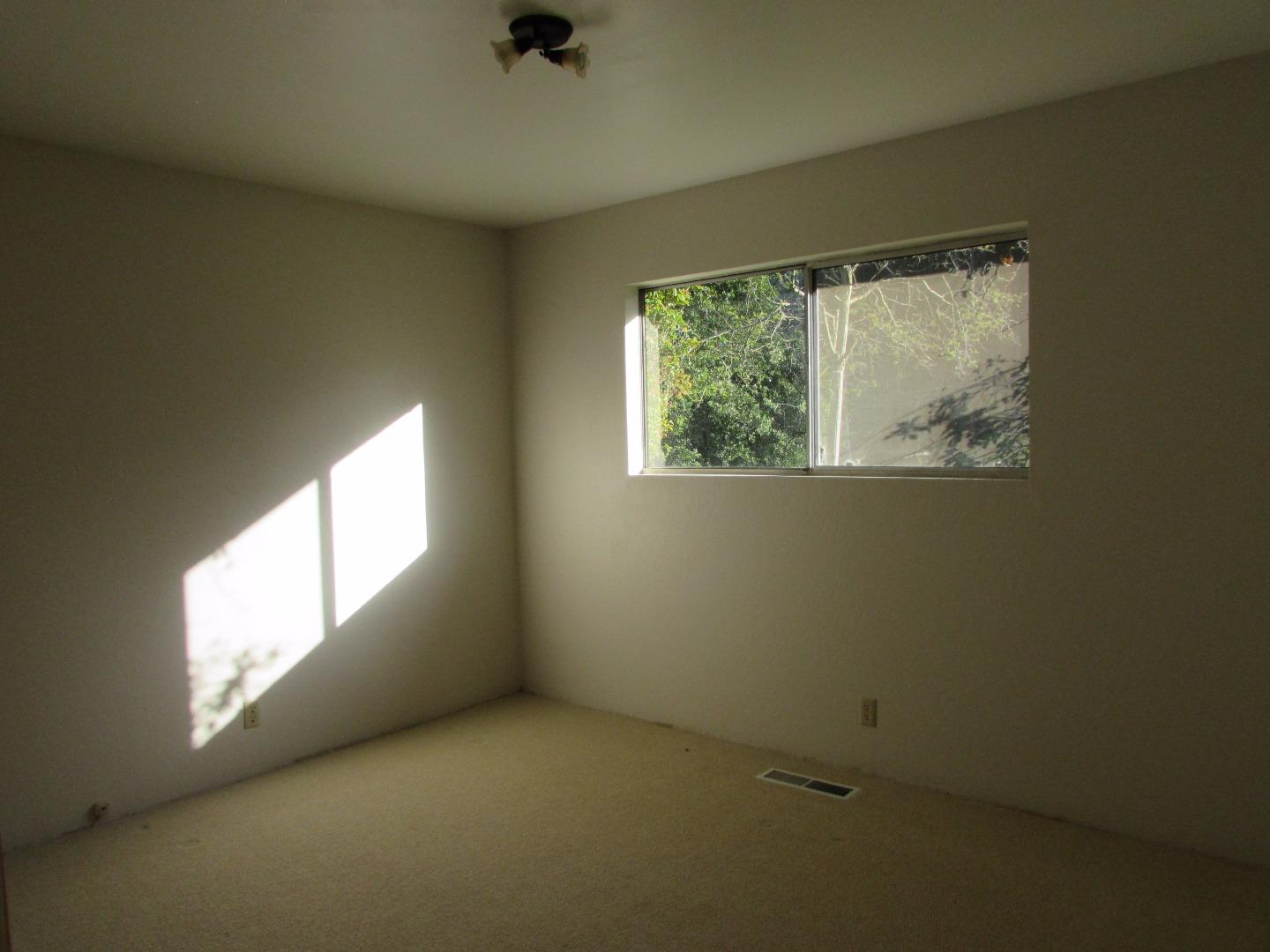Additional photo for property listing at 6915 Lakeview Drive  Salinas, California 93907 Estados Unidos