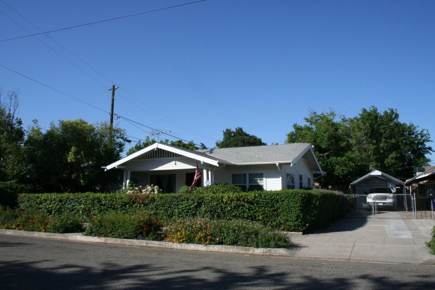 Single Family Home for Sale at 435 N 6th Street Chowchilla, California 93610 United States