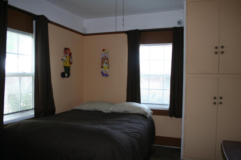Additional photo for property listing at 435 N 6th Street 435 N 6th Street Chowchilla, 加利福尼亞州 93610 美國