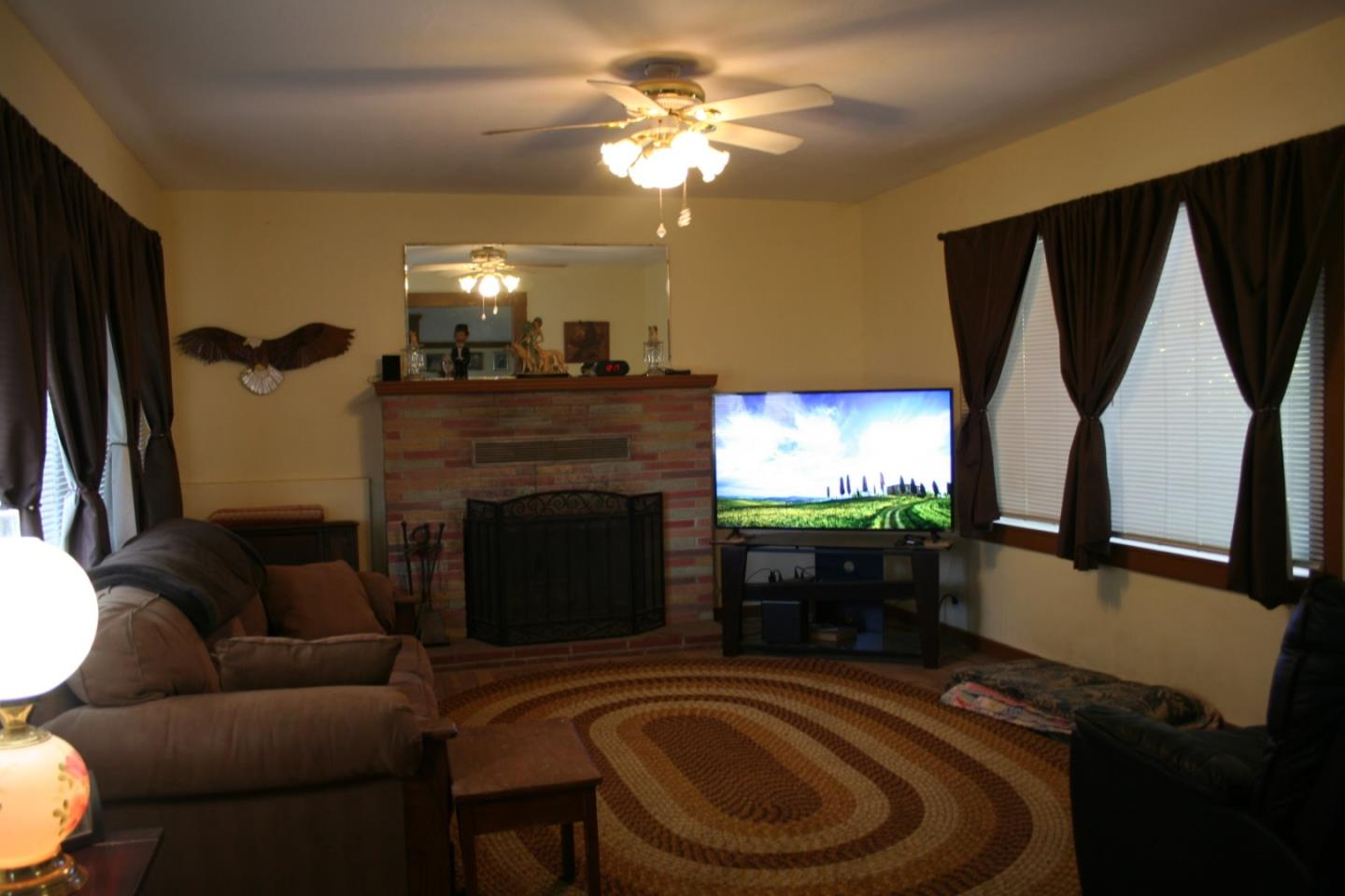 Additional photo for property listing at 435 N 6th Street 435 N 6th Street Chowchilla, California 93610 United States