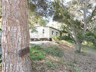 Casa Unifamiliar por un Venta en 17538 POND DEROSA Lane Salinas, California 93907 Estados Unidos