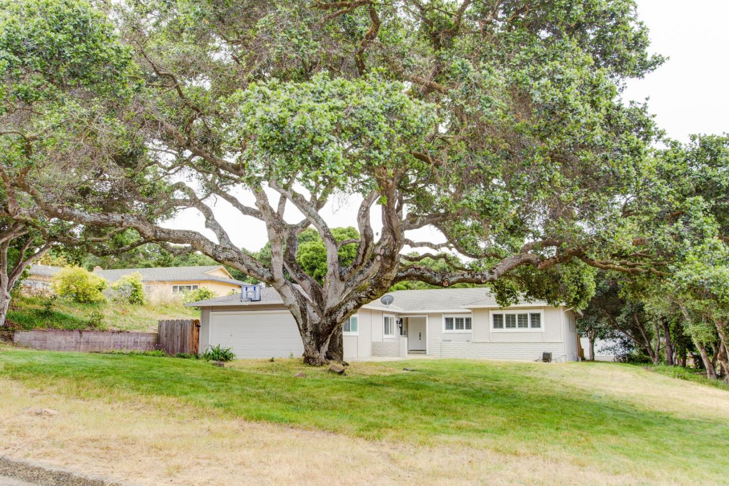 Additional photo for property listing at 9405 Silk Oak Place  Salinas, California 93907 United States